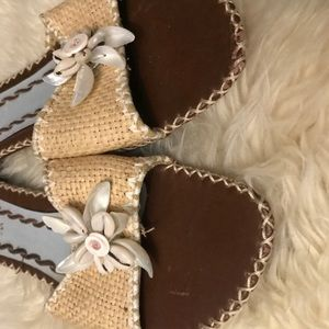 Coconuts by Matisse seashell sandals size 10 GUC